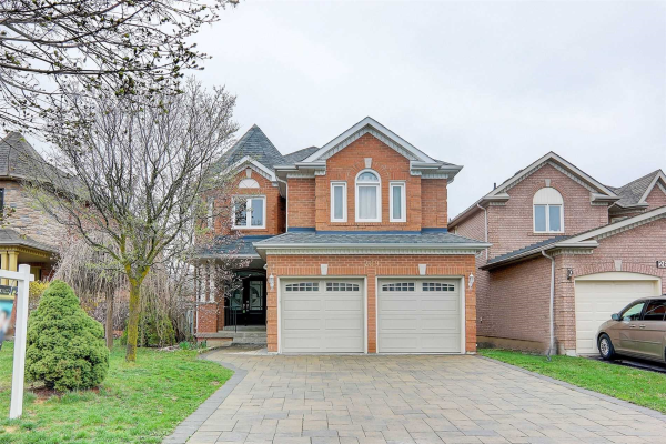 289 Clearmeadow Blvd, Newmarket
