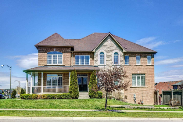 295 Grand Trunk Ave, Vaughan