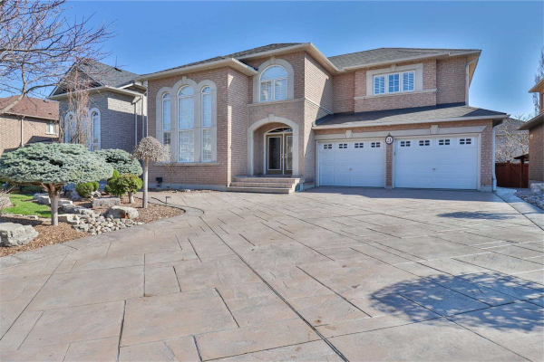 21 Chalone Cres, Vaughan