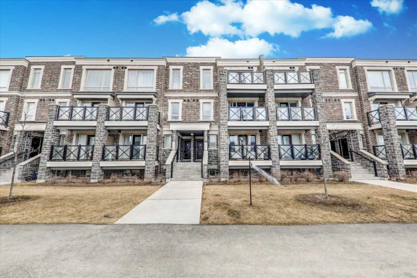 2 Dunsheath Way, Markham