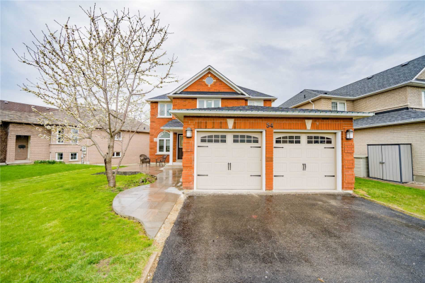 54 Woodhaven Cres, Richmond Hill