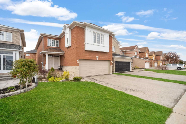 118 Forestwood St, Richmond Hill