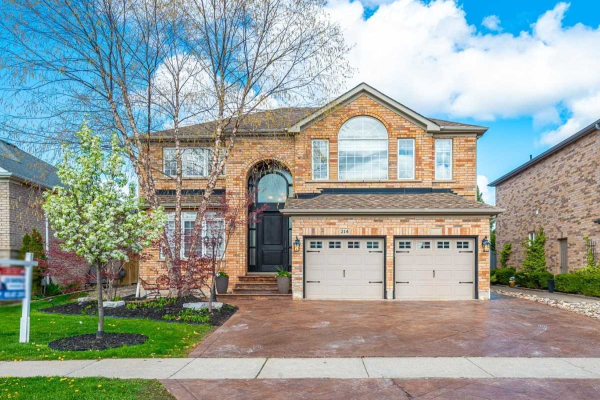 214 Julia Valentina Ave, Vaughan