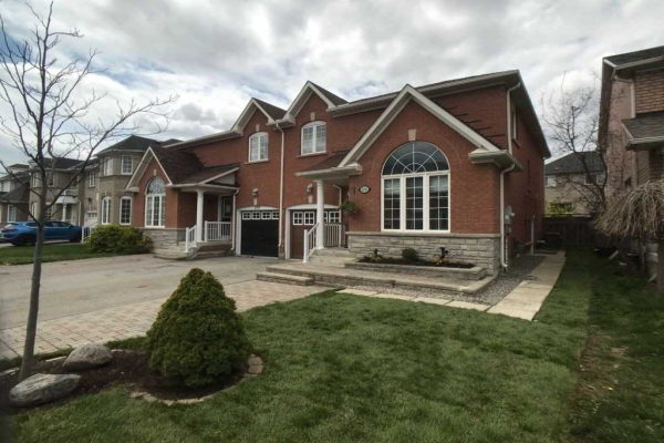 268 Marble Pl, Newmarket