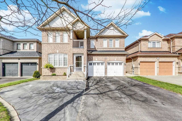 111 Red River Cres, Newmarket