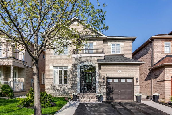 132 Fox Hound Cres, Vaughan