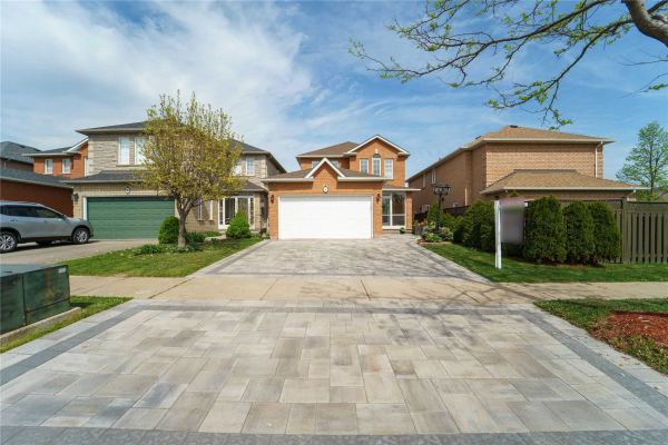 94 Colombo Cres, Vaughan