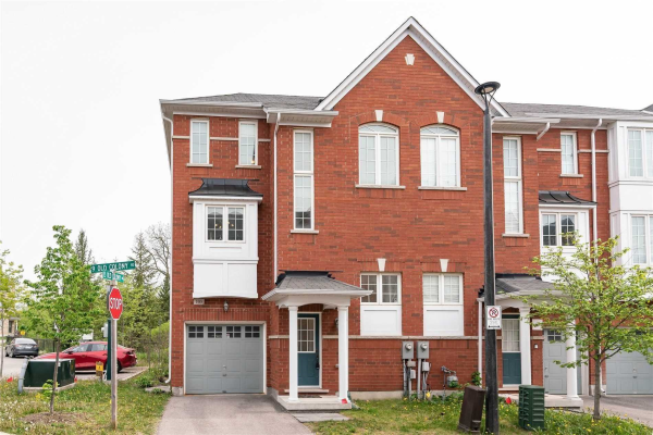 9 Old Colony Rd, Richmond Hill