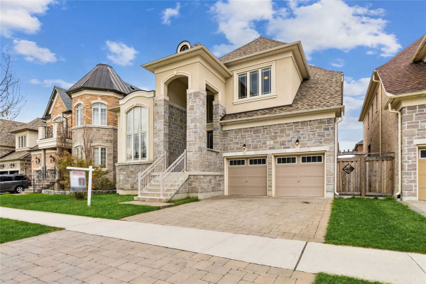 32 Chesney Cres, Vaughan