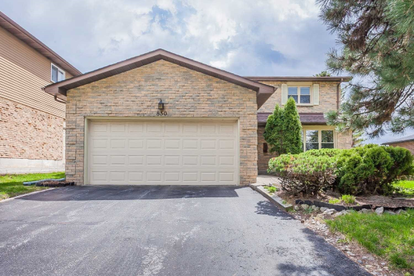 850 Arnold Cres, Newmarket