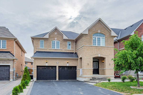 207 Lageer Dr, Whitchurch-Stouffville