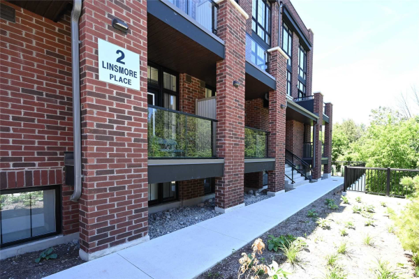 2 Linsmore Pl, Whitchurch-Stouffville