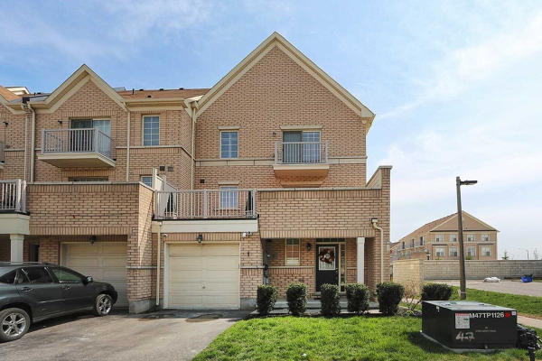 6 Cathedral High St, Markham
