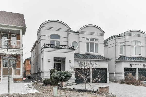 6 White Spruce Cres