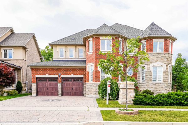 38 Lake Forest Dr, Richmond Hill