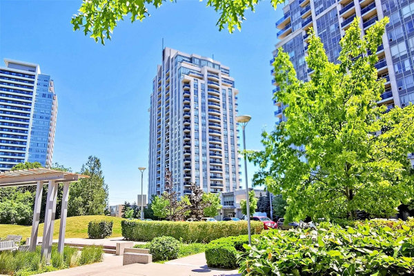 7 North Park Rd, Vaughan