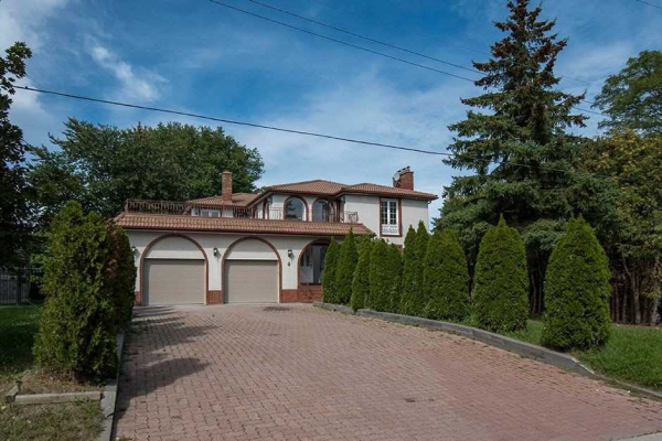 6 Thornhill Ave, Vaughan