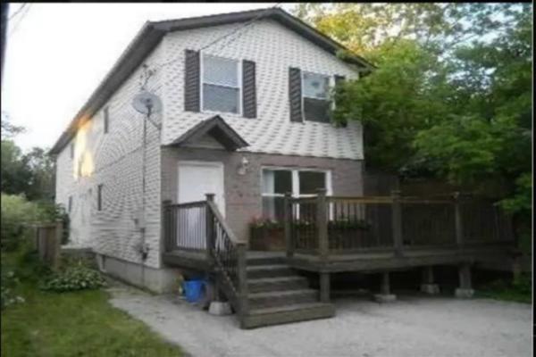 578 North Lake Rd, Richmond Hill