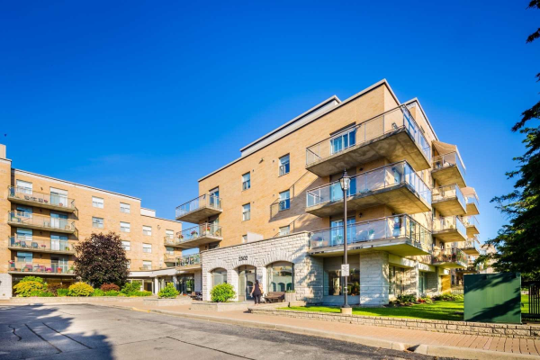 2502 Rutherford Rd, Vaughan