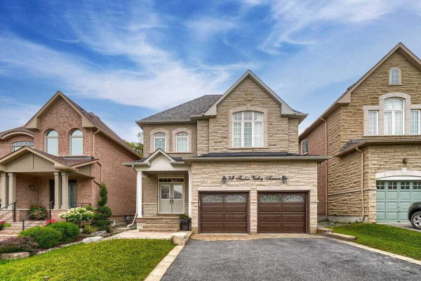 93 Timber Valley Ave, Richmond Hill