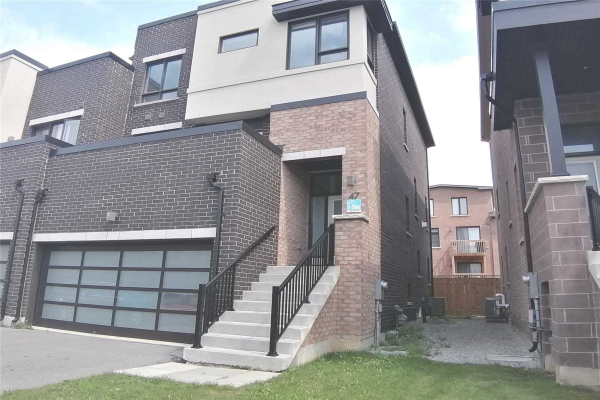 47 Helliwell Cres, Richmond Hill