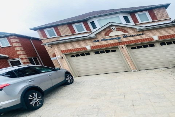 33 Connery Cres, Markham