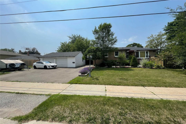 234 Sussex Ave, Richmond Hill