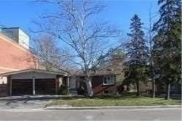 43 Wallace St, Vaughan