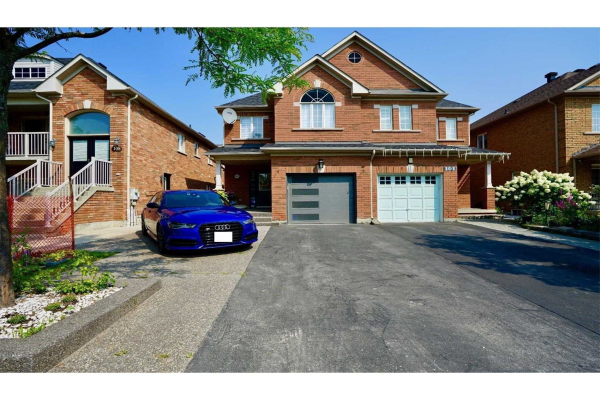 103 Andes Cres, Vaughan