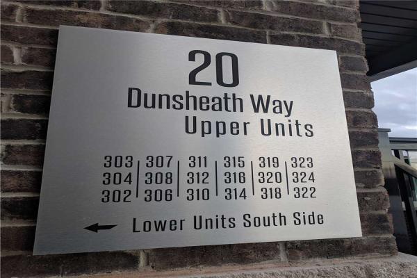 20 Dunsheath Way, Markham