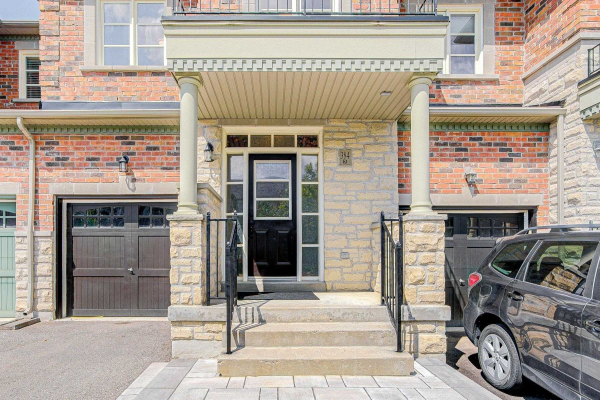384 William Dunn Cres, Newmarket