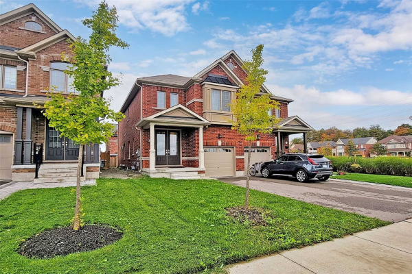 625 Sweetwater Cres, Newmarket