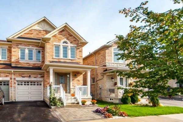 138 Win Timbers Cres, Whitchurch-Stouffville