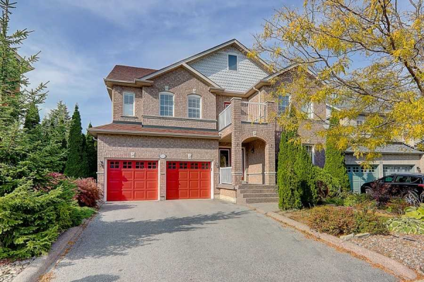 123 Red River Cres, Newmarket