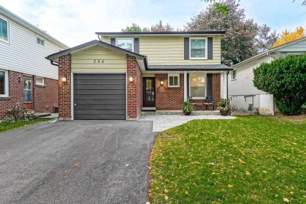 206 Thoms Cres, Newmarket