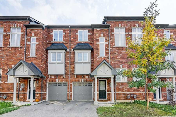 15 Old Colony Rd, Richmond Hill