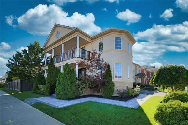 1 Redtail Dr, Vaughan