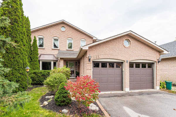761 College Manor Dr, Newmarket