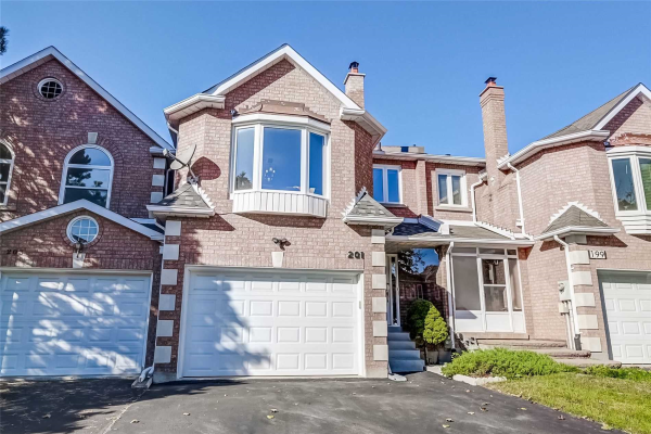 201 Thornway Ave, Vaughan