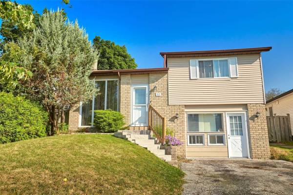 32 Hickling Tr, Barrie