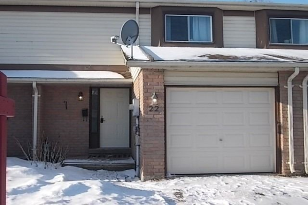 22 Dickens Dr, Barrie