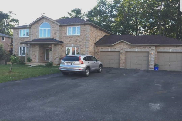28 Holly Meadow Rd, Barrie
