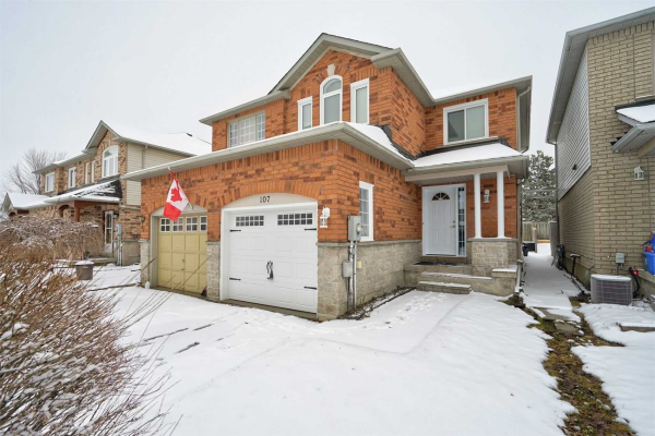107 Leslie Ave, Barrie