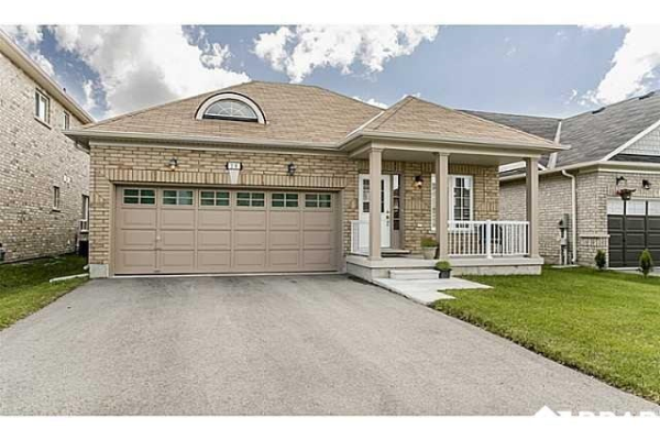 20 Orleans Ave, Barrie