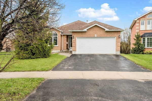 28 Chalmers Dr, Barrie