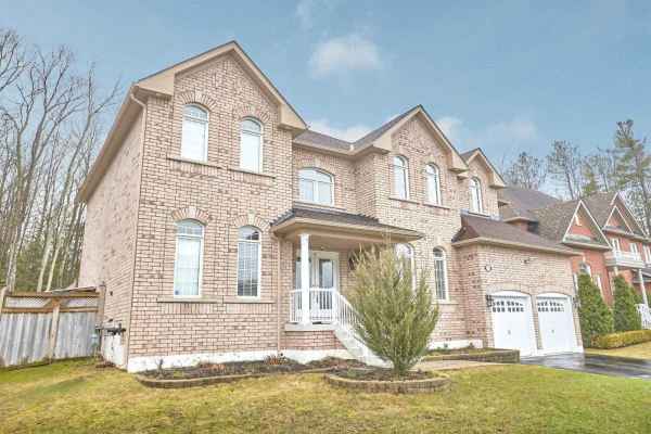 61 Camelot Sq, Barrie