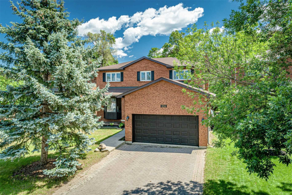 104 Chieftain Cres, Barrie