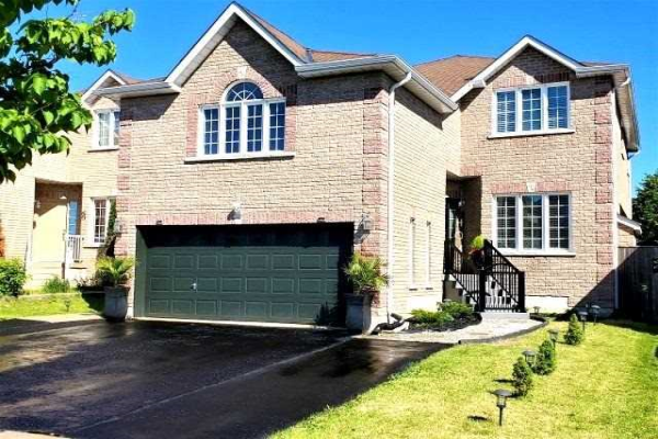 8 Arch Brown Crt, Barrie