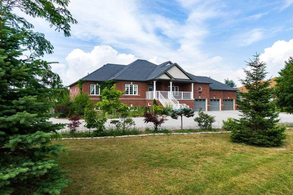 38 Maple Dr, Wasaga Beach