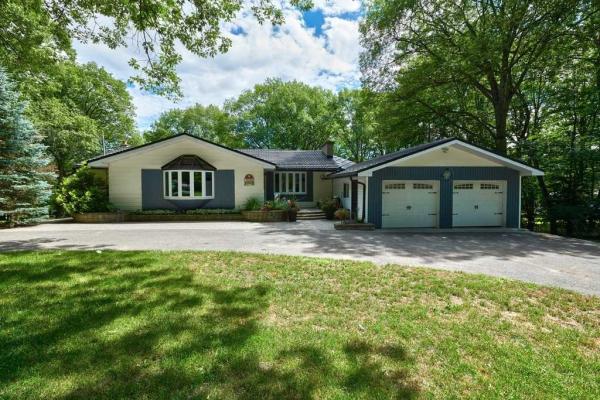 1389 Hendrie Rd, Springwater